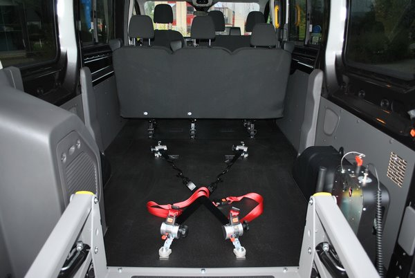 Intérieur de la Ford Transit adaptée