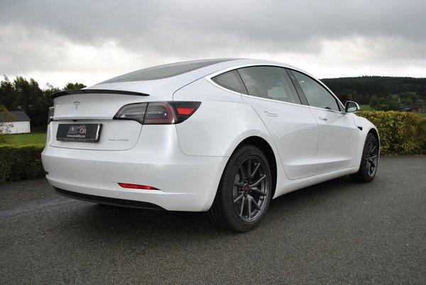 Tesla adaptée