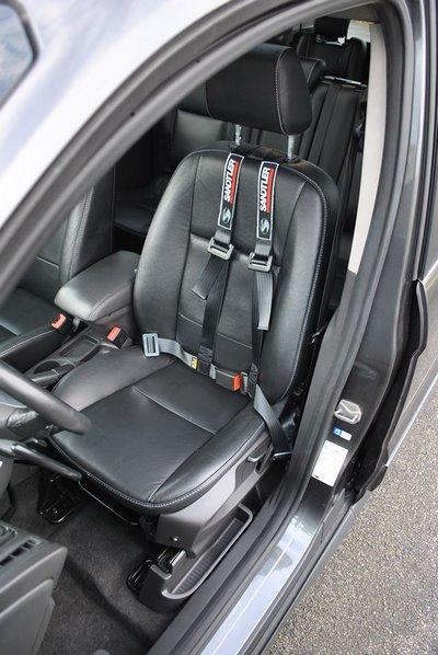 Siège adapté au sein d'une Ford Tourneo