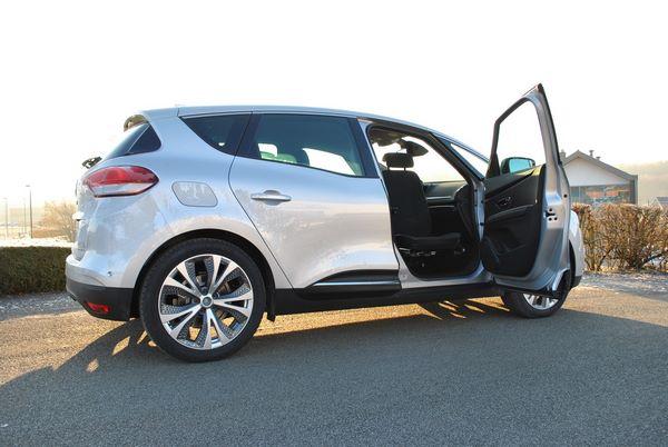 Siège pivotant pour une Renault Scénic