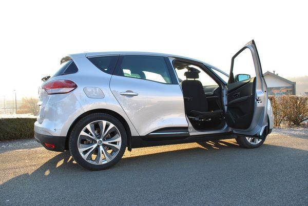 Siège sortant pour une Renault Scénic