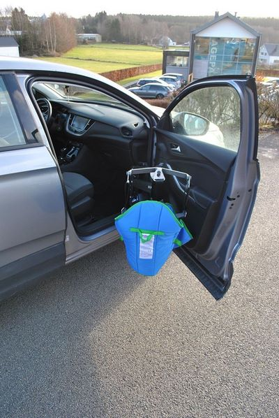 Véhicule Opel adapté