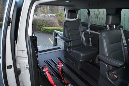 Intérieur d'un véhicule Toyota adapté