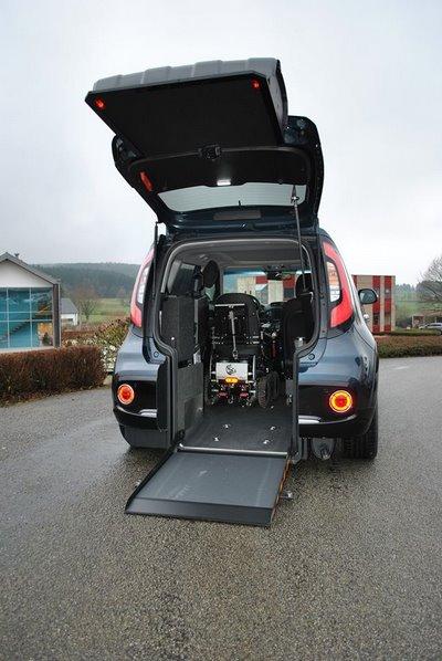 Kia Soul eMotion : rampe d'accès au véhicule