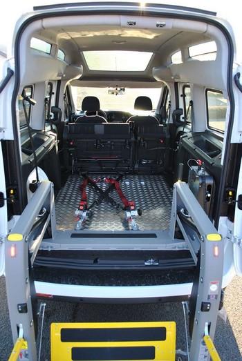 Chargement au sein d'une Fiat Doblo