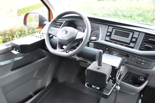 Conduite d'une Volkswagen T6 via joystick