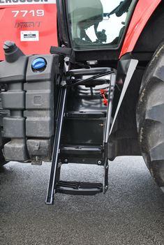 Adaptation de l'accès au tracteur