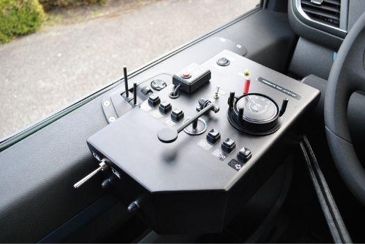 Commandes de fonctions électriques pour une Peugeot Traveller