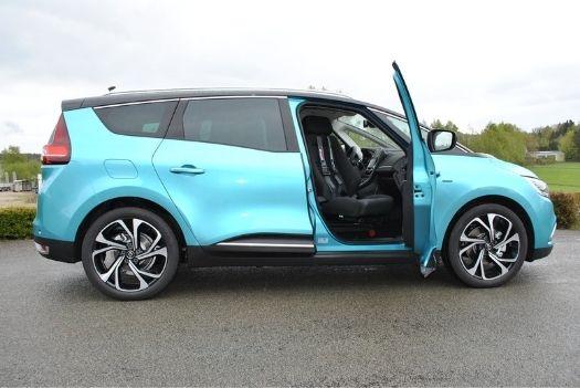 Transfert et chargement de chaise roulante - Renault Grans Scenic